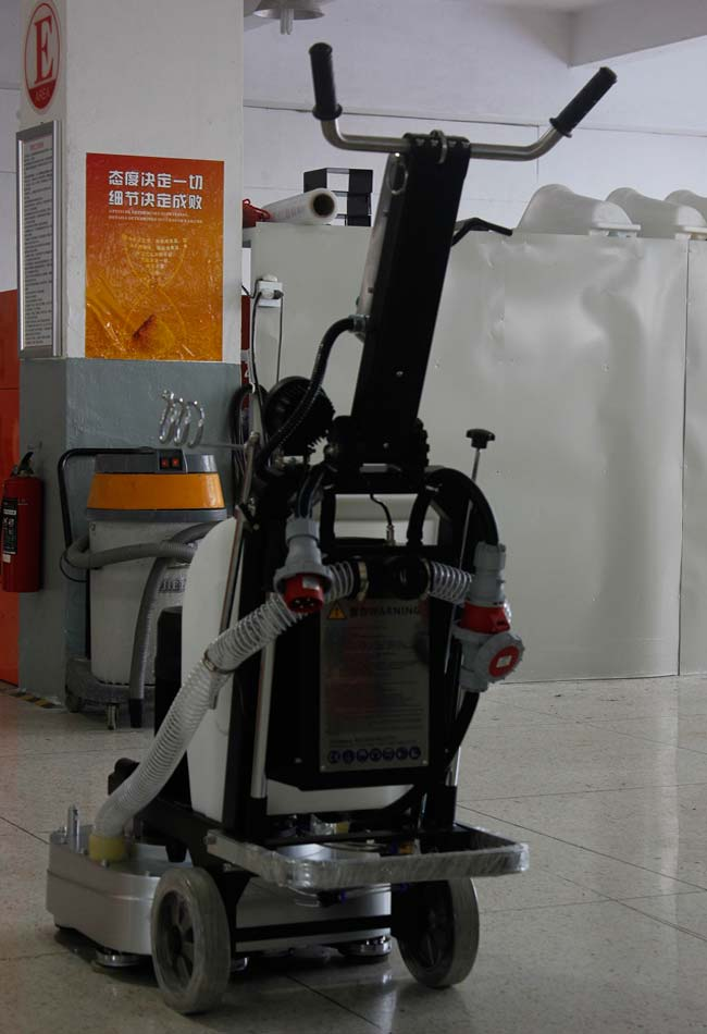 Square Grinding Plates Concrete Floor Grinding And Polishing Equipment 30L Water Tank