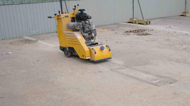 Durable Self Propelled Concrete Scarifier Rental , Asphalt Grooving Machine 340KG