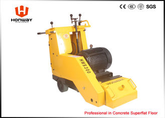 China High Potency Self Propelled Scarifier Machine With Down Cut Drum Rotation supplier